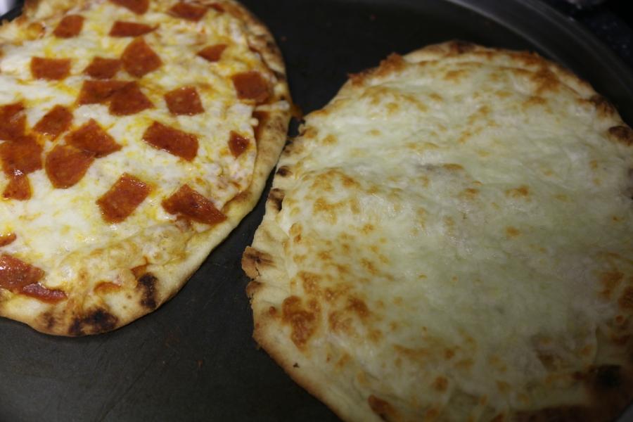 Quick Cheesy bread & Pizza on Naanbread